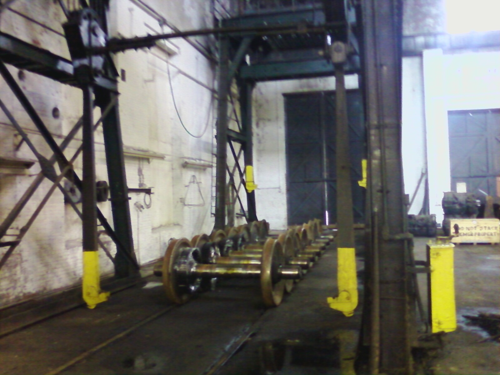 80 ton locomotive crane at Springfield Terminal